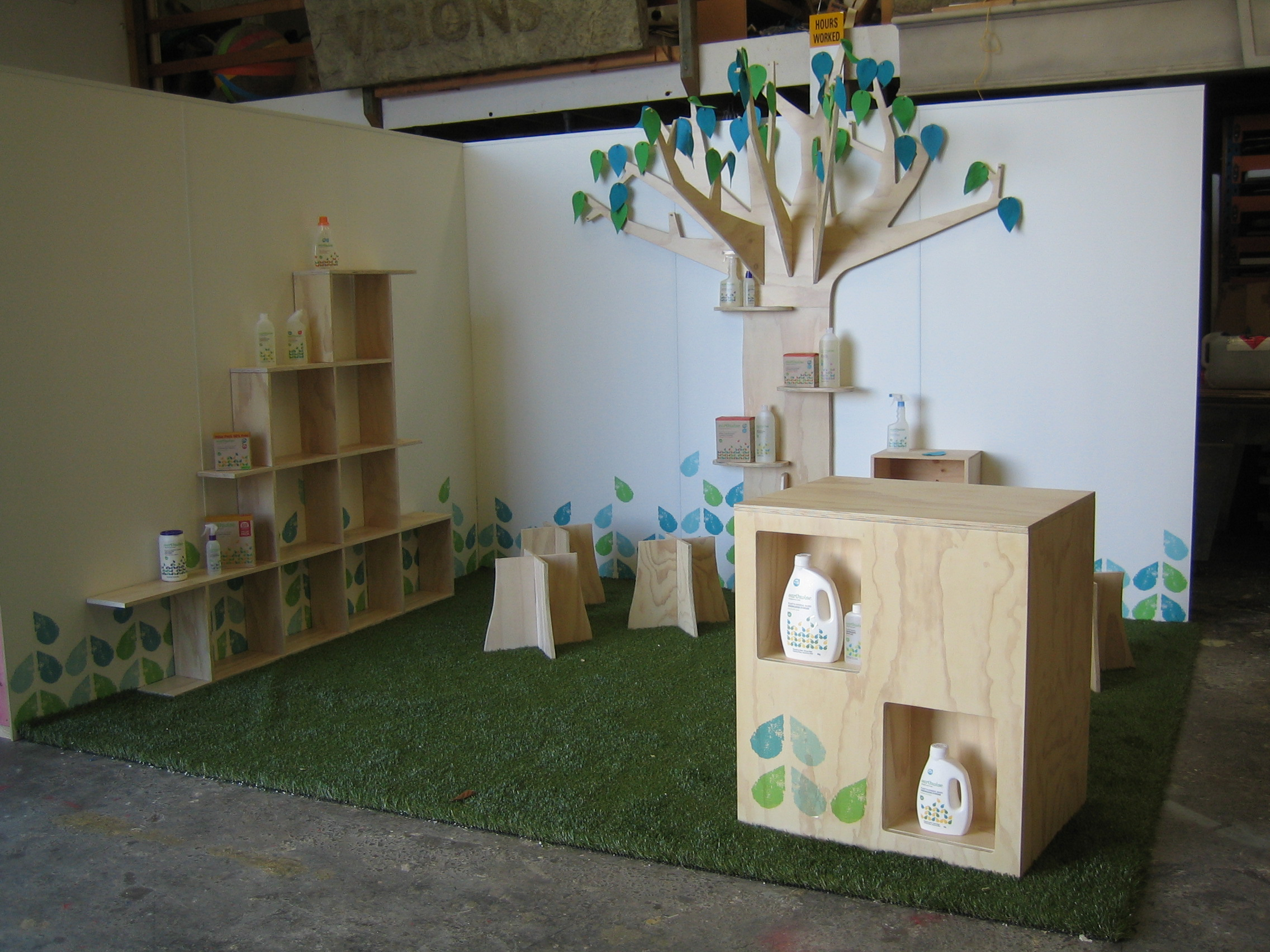 Earthwise stand